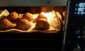 使用电烤箱应该注意炉温受热不均发生