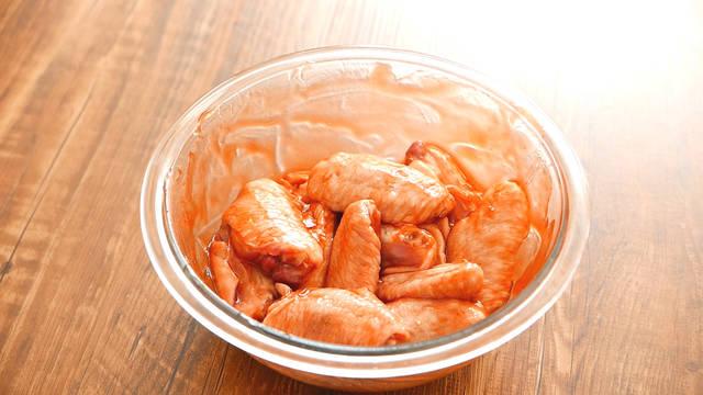 怎么用烤箱烤鸡翅?肉食党必学技能!(。•﹃•。)叉烧烤鸡翅!