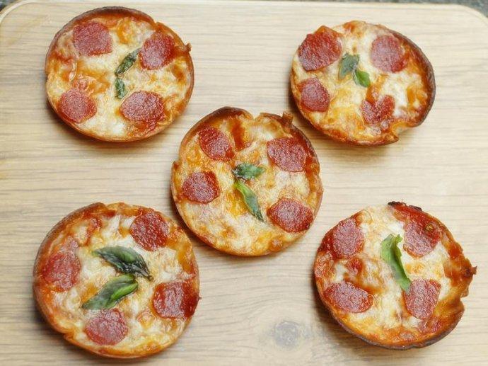 你能一口吃几个披萨?我能一口十个!嘿嘿嘿