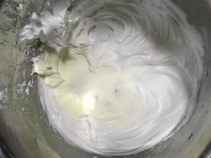 蛋白糖的做法 步骤2