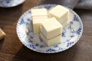豆腐蛋糕的做法 步骤24