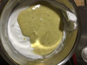 软绵蛋糕卷的做法 步骤6