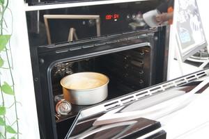 8寸戚风蛋糕(嵌入式烤箱)的做法 步骤14