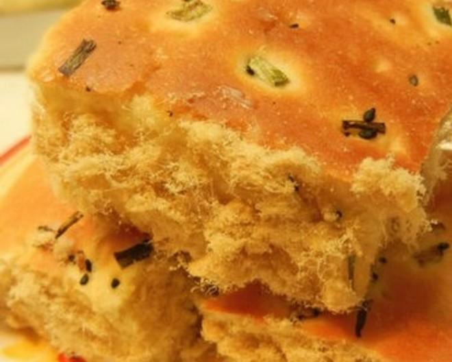 松软香葱肉松蛋糕的做法