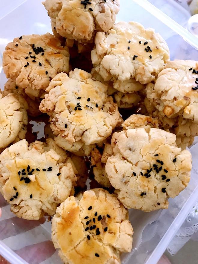 长辈小朋友都爱的核桃酥-玉米油版的做法