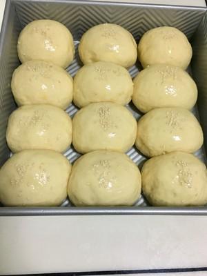 淡奶油肉松小餐包的做法 步骤9