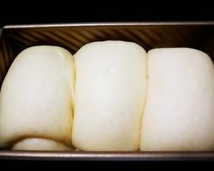 超级软奶香吐司面包的做法 步骤9