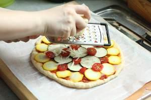 ?全麦蔬菜披萨的做法 步骤3