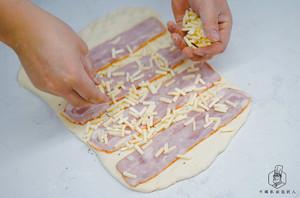 不用出膜一样好吃:免揉面包的做法 步骤11