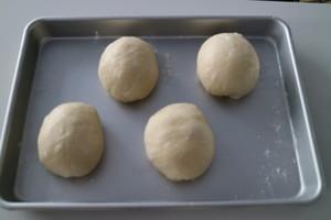 超软乳酪蜜蜜豆软欧的做法 步骤4