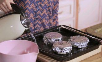 零基础烘焙入门:烘焙烤盘烤架怎么挑选?