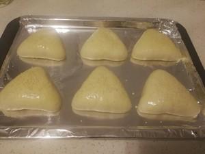三角奶黄包的做法 步骤8