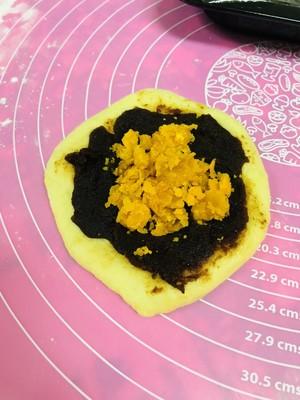 咸蛋黄红豆沙面包的做法 步骤5