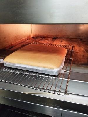 早餐原味蛋糕卷的做法 步骤2