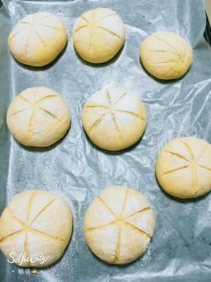 南瓜🎃咸蛋黄肉松麻薯软欧包🍞的做法 步骤10