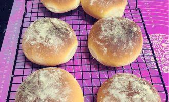 咸蛋黄红豆沙面包 制作方法