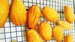 零基础制作法国风味小吃-玛德琳贝壳蛋糕百分百成功的做法 步骤7