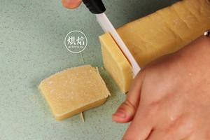 香而不腻 一口惊人的乳酪夹心酥饼的做法 步骤9