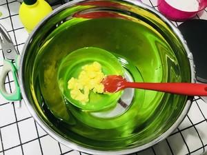 轻乳酪蛋糕的做法 步骤5