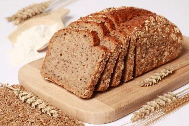 能减肥的面包,减肥食谱,如何把面包正确地纳入你的减脂计划中?