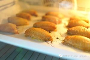 咸蛋黄醪糟烤鸡翅的做法 步骤3