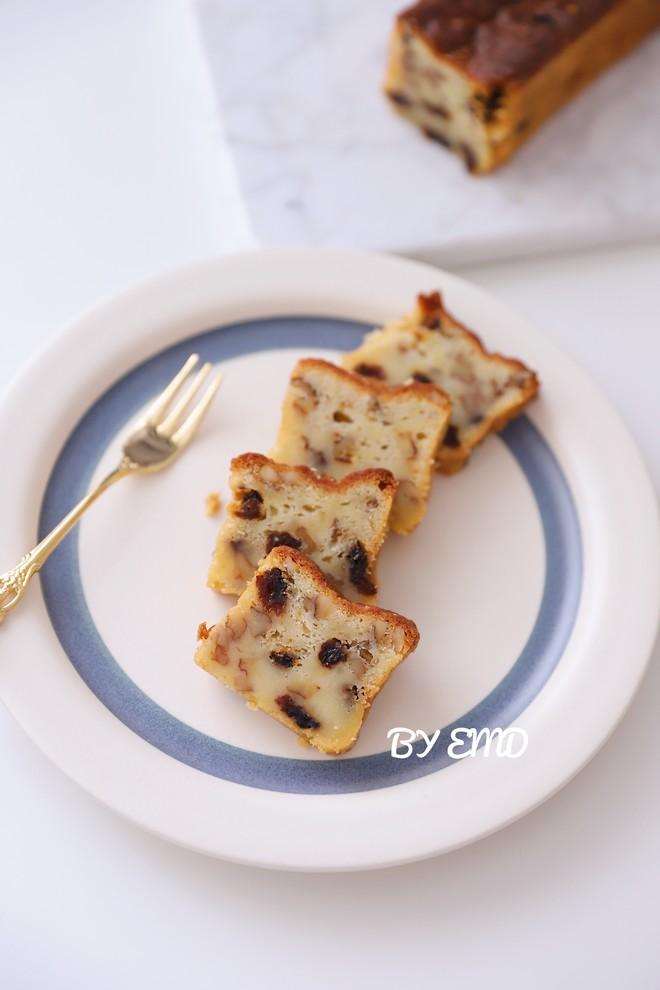 核桃葡萄干奶酪磅蛋糕的做法