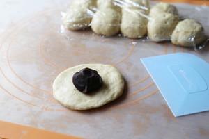 香软可口的花式豆沙面包的做法 步骤3