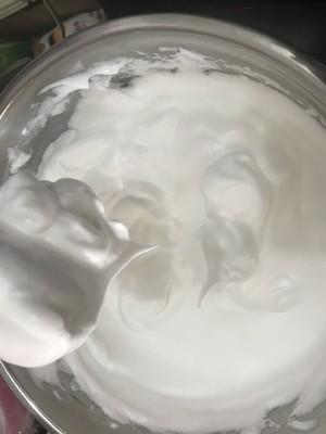 十寸后蛋法的戚风蛋糕的做法 步骤5