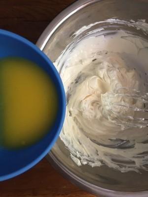 舒芙蕾芝士蛋糕的做法 步骤2
