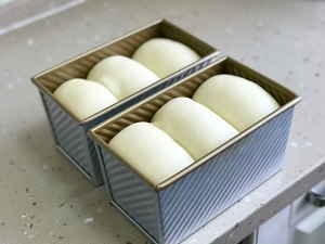 70%中种淡奶油吐司的做法 步骤15