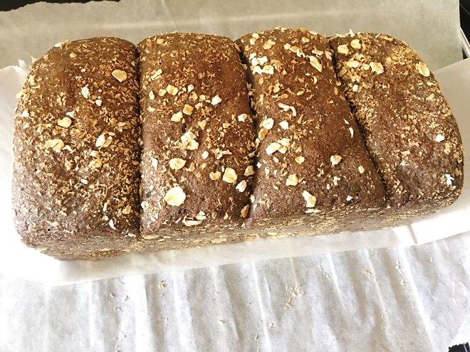 自制100%黑麦全麦吐司(无糖无油无蛋无奶无面包机)揉出手膜版的做法