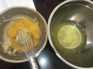十寸后蛋法的戚风蛋糕的做法 步骤3