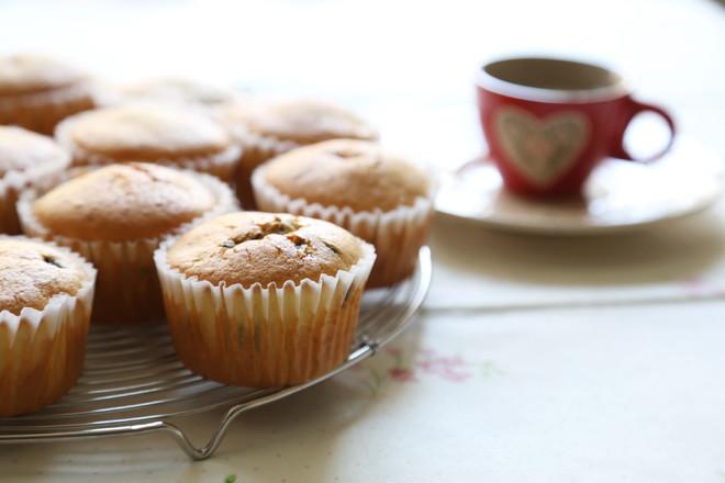 葡萄干巧克力豆玛芬蛋糕(6连玛芬蛋糕模)的做法