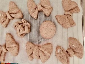 #治愈系福蝶面包手法#的做法 步骤4