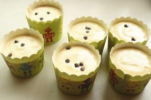 香草棉花糖杯子蛋糕的做法 步骤16