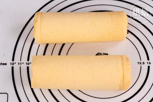 外Q内软的冰皮蛋糕卷,口感超丰富~的做法 步骤15