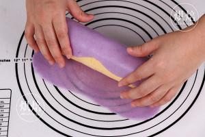 外Q内软的冰皮蛋糕卷,口感超丰富~的做法 步骤16