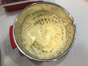 核桃葡萄干奶酪磅蛋糕的做法 步骤6