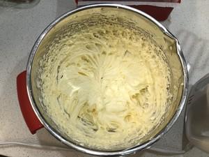 核桃葡萄干奶酪磅蛋糕的做法 步骤8
