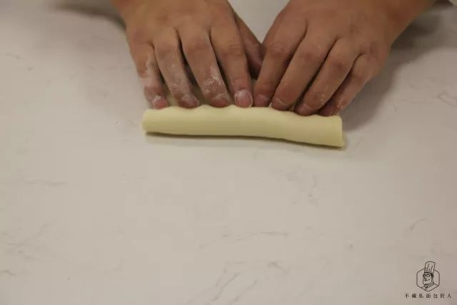 新手都要看!圆圈面包整形手法详解