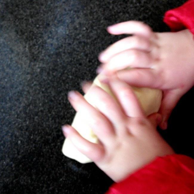 面包十五分钟手套膜及拉丝秘笈(附七岁儿童终极版)的做法 步骤18