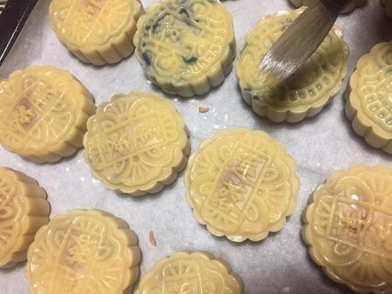 广式月饼的做法 步骤12