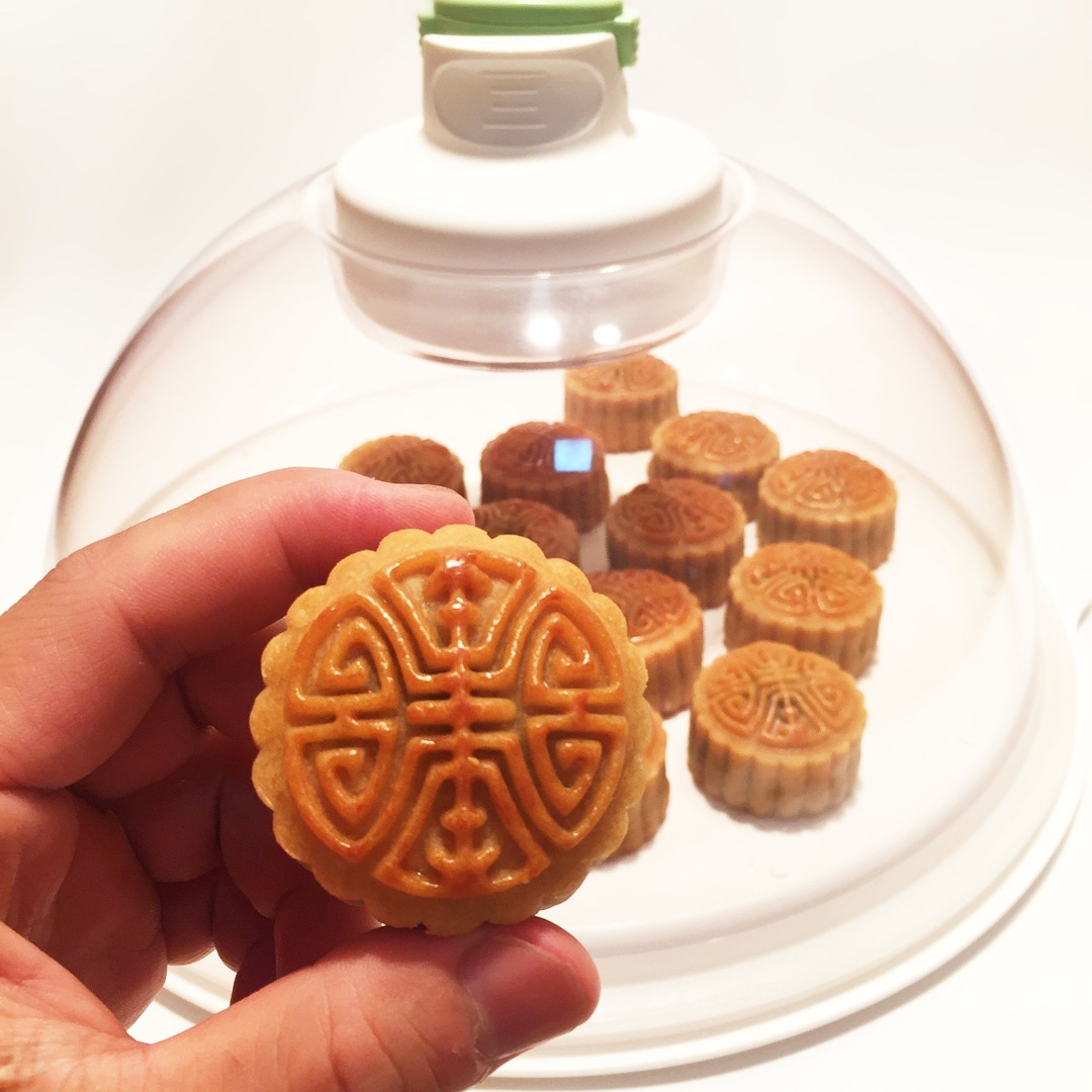 广式月饼—蛋黄冬翅月饼的做法 步骤19