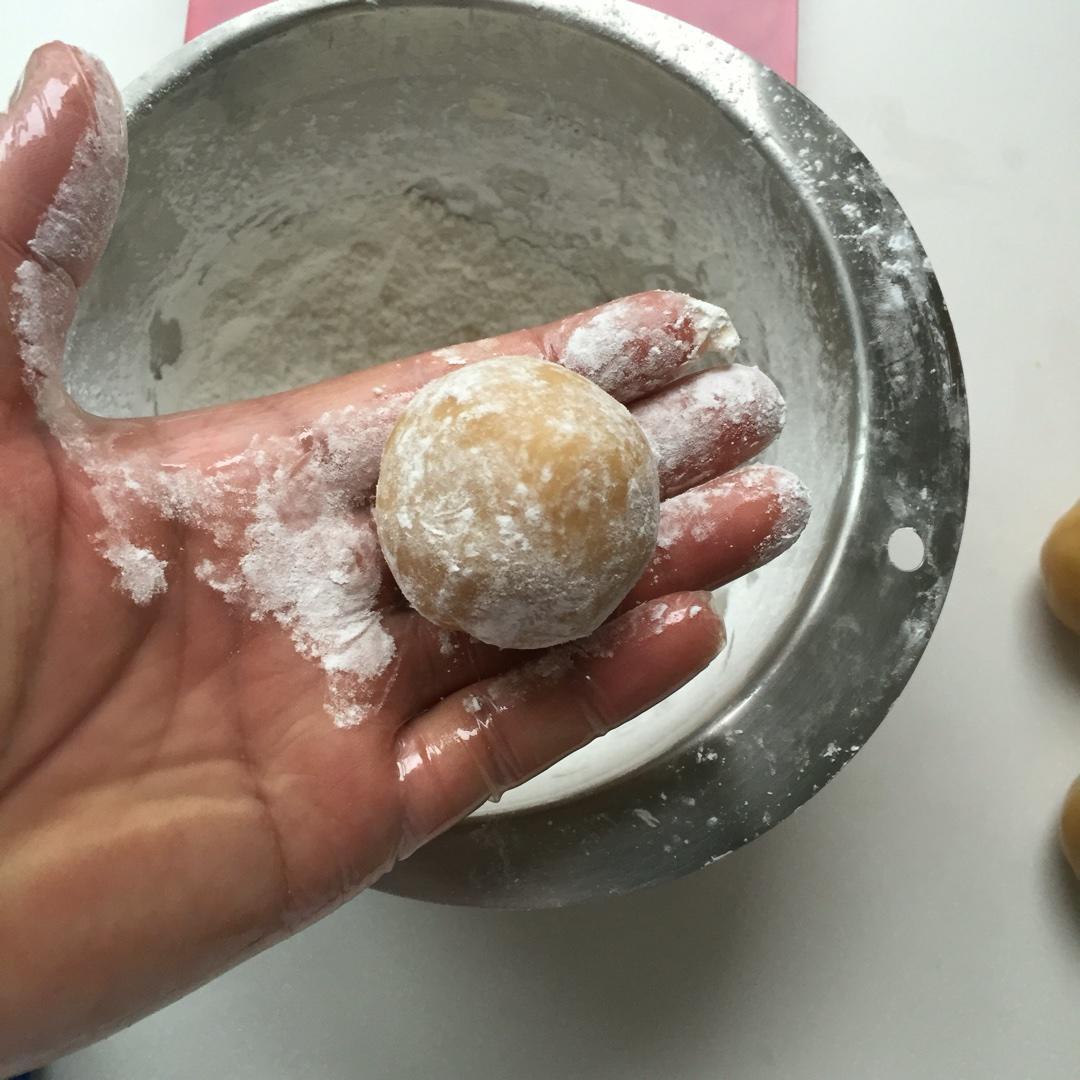 广式月饼—蛋黄冬翅月饼的做法 步骤15