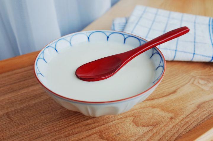 姜撞奶的做法 论文级别的姜撞奶,花十分钟就能做好