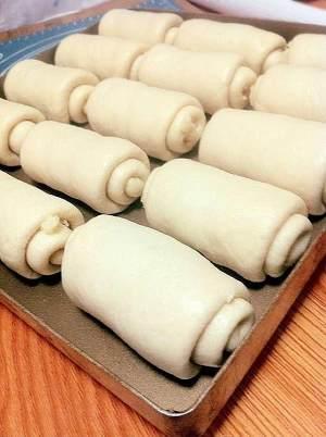 椰蓉面包卷的做法 步骤13