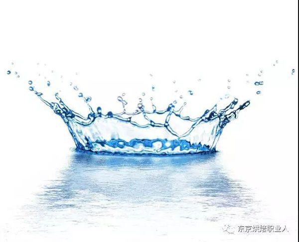 揉面用什么水?你是直接用自来水做面包吗?到底什么水最适合...