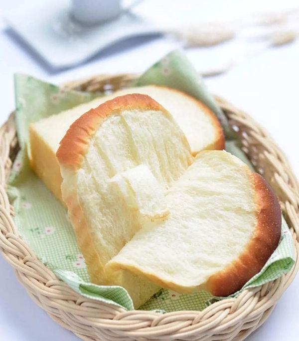 6种乳制品在面包制作中的【使用区别】,学会味道就迷人!