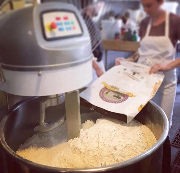 调味盐&雪花盐&海藻盐做出的面包,口味差别有多大?