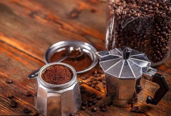如何挑选一款适合自己的咖啡机?7种常见款式|测评